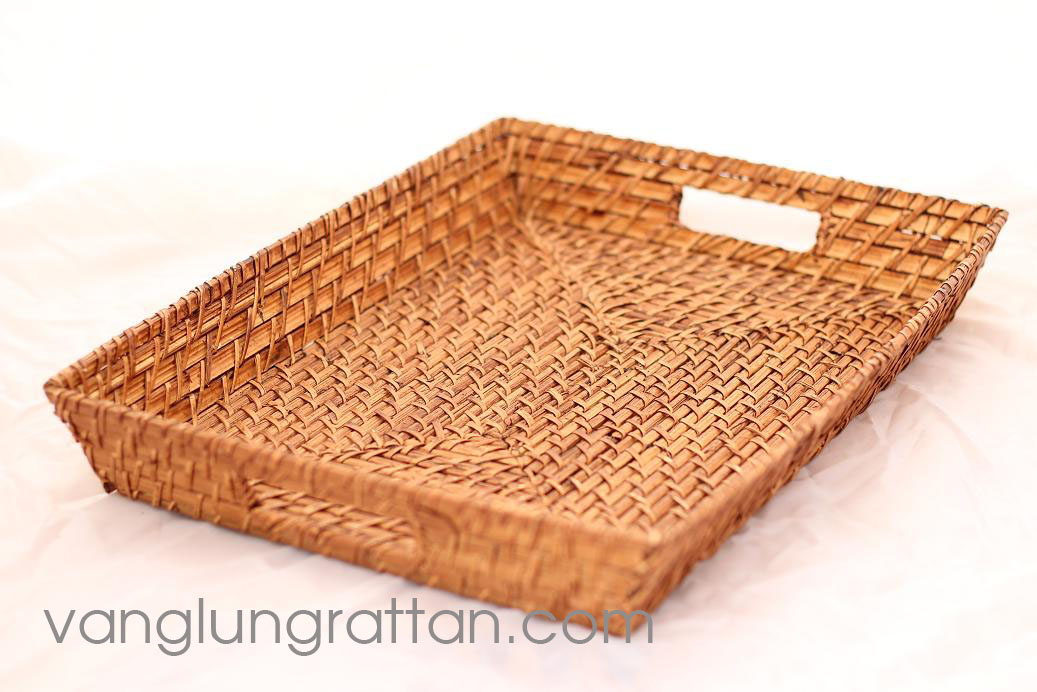 Rattan tray with handle