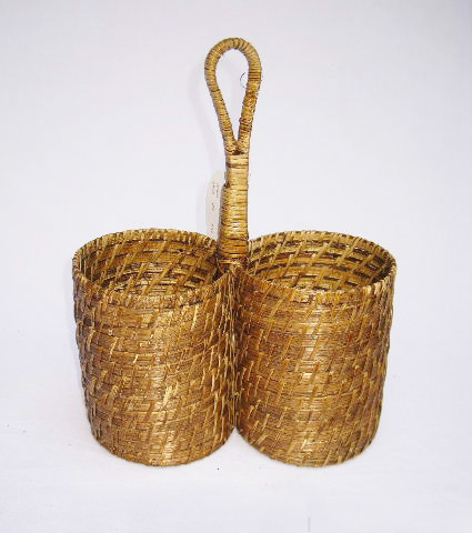 Twin rattan wine basket