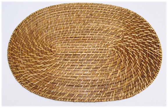 Oval rattan placemat 30x40cm