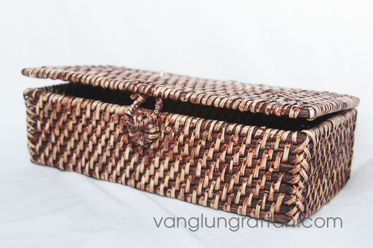 Full rattan box with cover